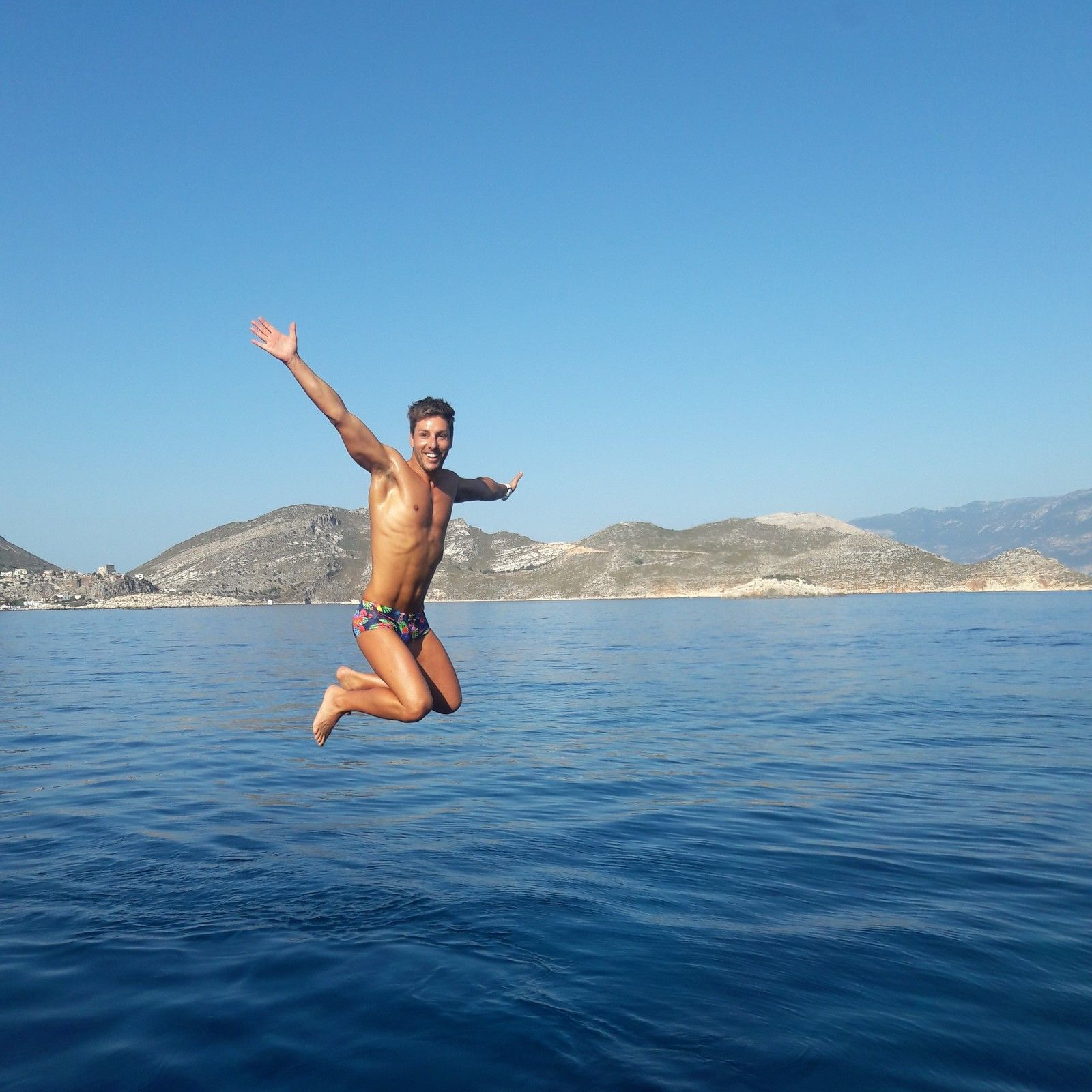 swimming_holidays_kas_turkey_jon_jumping.jpg
