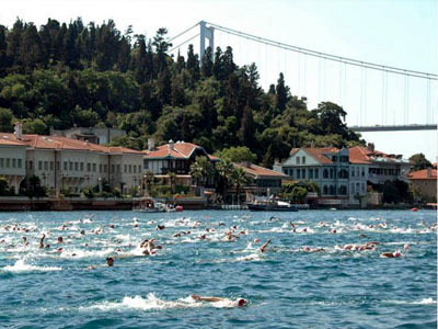 1f65ef44009780947c23344fce86c916f01dd8d3 bosphorus cross continental swim small